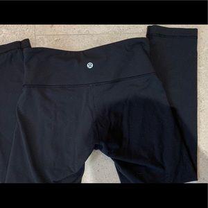 Lululemon black crop yoga pants
